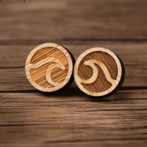 "Urban Outfitters ""Surf's Up"" Vintage Wood Earrings"